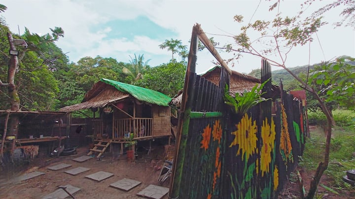 Kubo Mountain Foot Hut w/ FREE Daytour Trekking