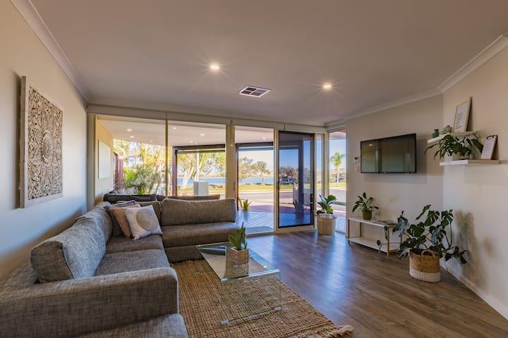 Starboard Views Kalbarri- riverfront apartment