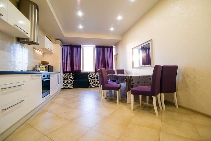 Апартаменты с 3 спальнями - Sochi