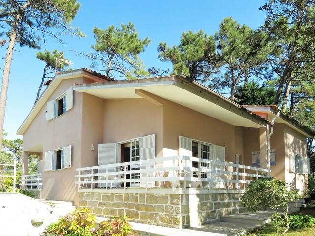Holiday House Raquel for 10 persons in Fao