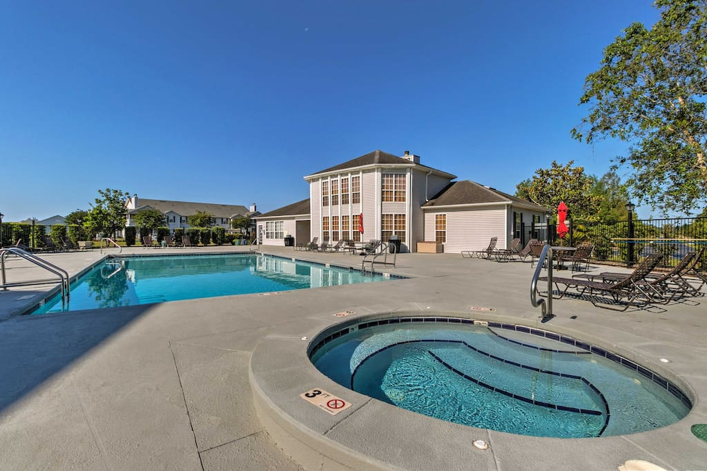 Up to 6 guests will have access to community amenities like an outdoor pool.