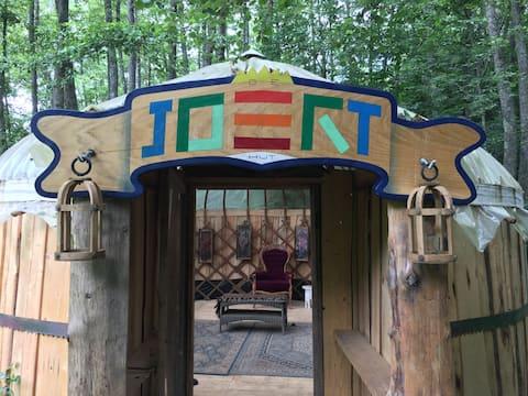 Verblijf in een unieke houtombouwde Joerthut!