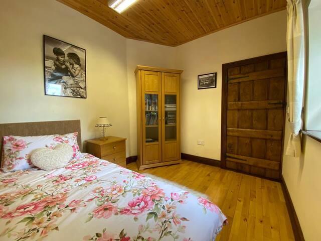 Downstairs Single Room