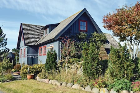 Holiday cottage with 3 bedrooms on 72m² in Morup