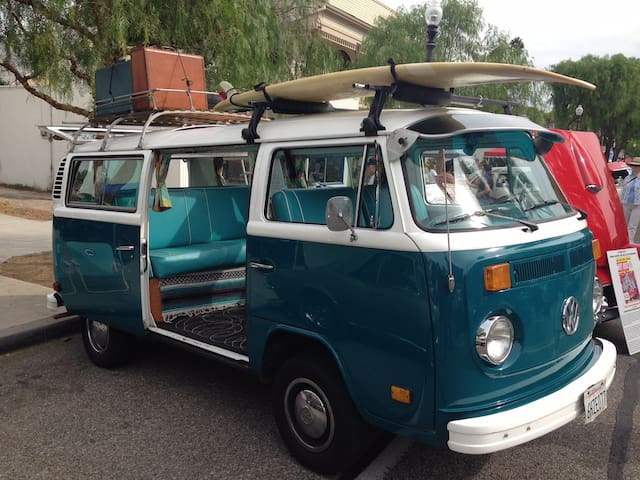 Beautifully restored 1979 VW Bus w/ Vintage Charm