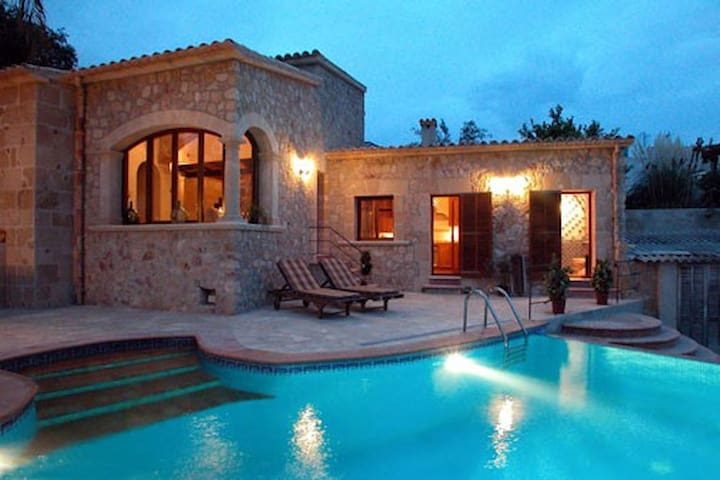 Villa in center of Pollensça with pool and jacuzzi - Pollença