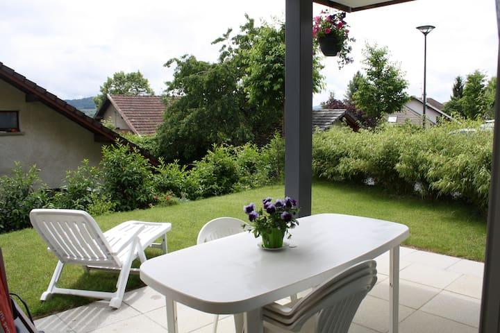 Logement de deux chambres au calme et à la nature! - Lovagny - Appartement