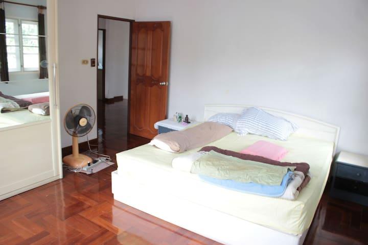 Lovely  room in a bangsaen area - Tambon Samet - Dom