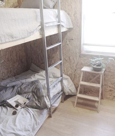 Wiesenvillage (비젠빌리지) Twin Room (Bunk Bed)