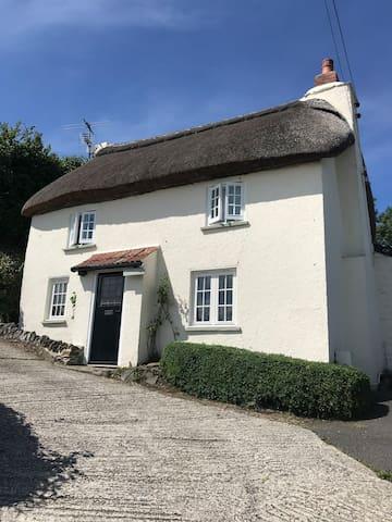 Idyllic cottage with stunning views