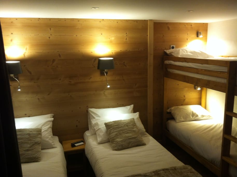chalet araucaria chambres d 39 h tes louer morzine auvergne rh ne alpes france. Black Bedroom Furniture Sets. Home Design Ideas