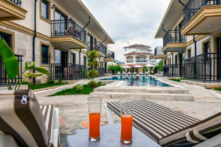 2 Bedroom Holiday Apartments on the Calıs Beach A2