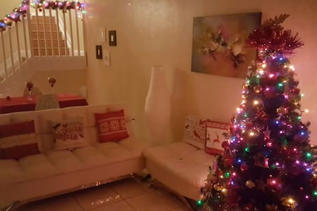 Town house muy acogedor - Hialeah