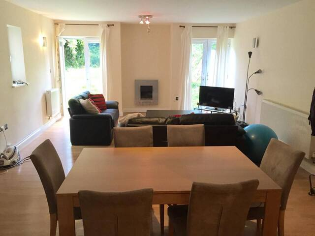 Spacious flat 20' walk or (5' bus) from the city - Nottingham - Apartment