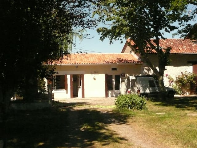 Gîte Bourg du Bost - Bourg-du-Bost - House