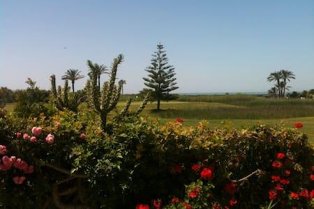Golf, mar, sol y paz en 1ª línea Playa Granada - Motril