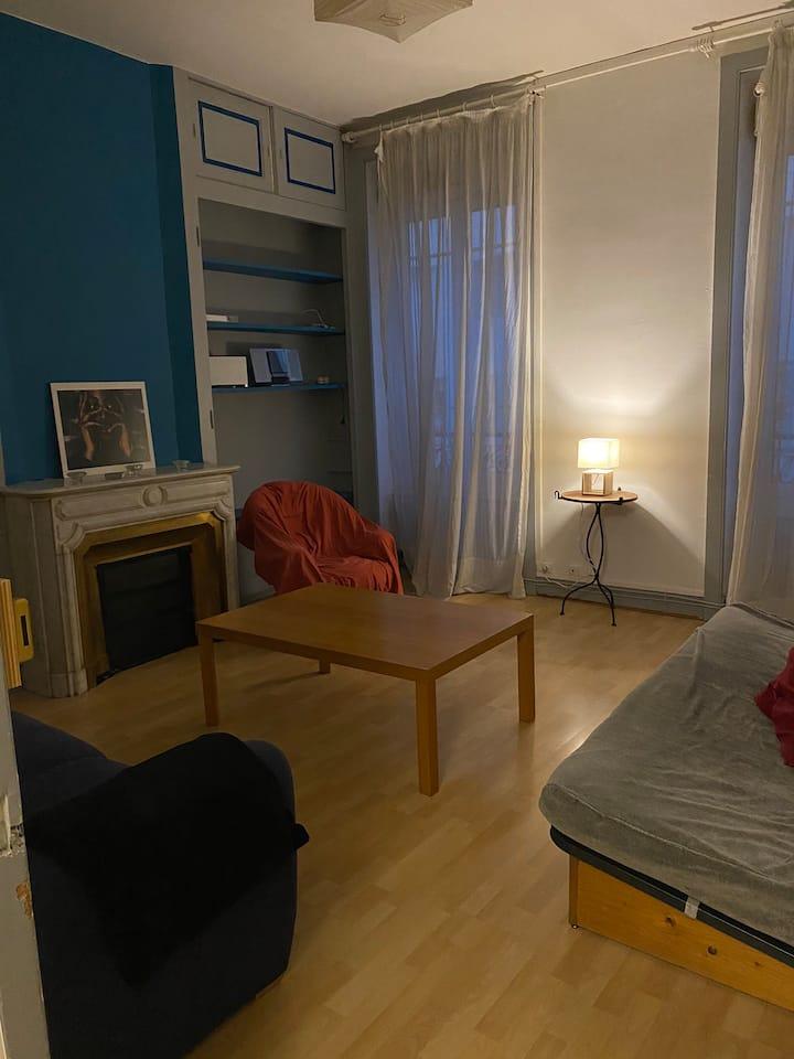 Chambre dans grand appartement