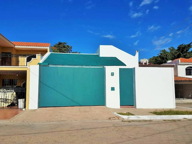 1 Floor house with 3 bedrooms and swimming pool - Mazatlán - บ้าน