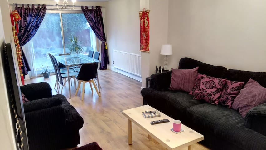 Houseshare in quiet area of Crosby, Liverpool
