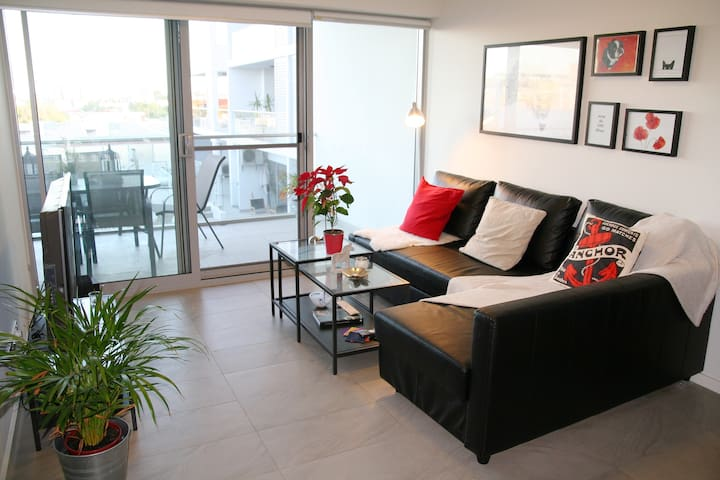 New & modern 1 Bedroom w. outdoor pool & gym - Perth - Apartamento