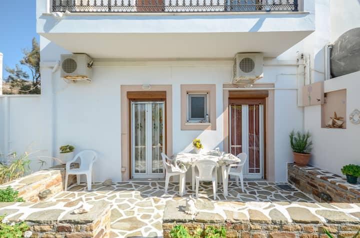Vaso's apartment in Naxos town