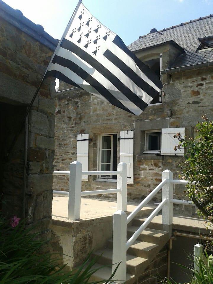 Maison typique au coeur de Matignon