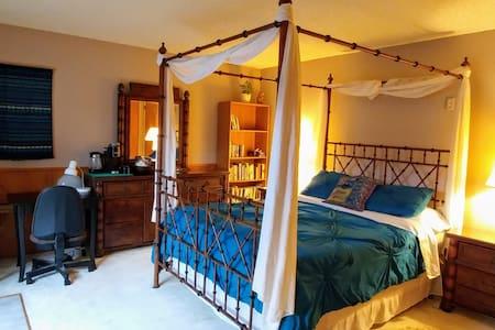 Private/Sanitary B'ham Getaway, in-house massage!