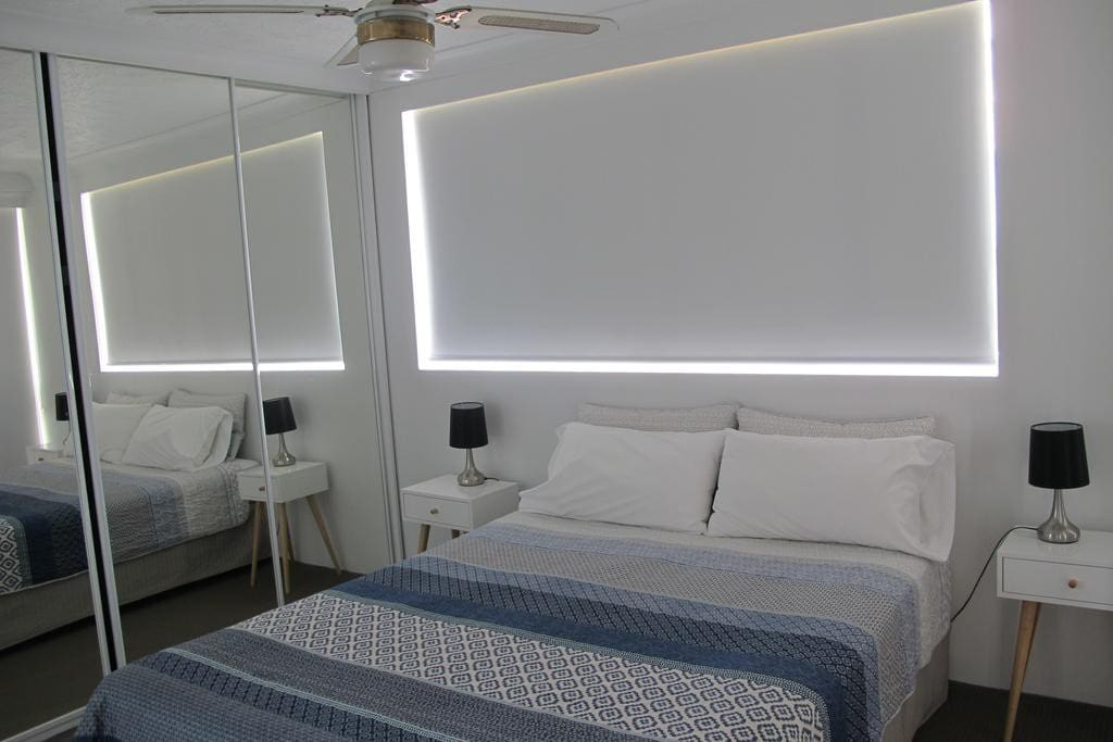 Pacific regis burleigh heads 2 bed 2 bath for Absolute bliss salon and retreat