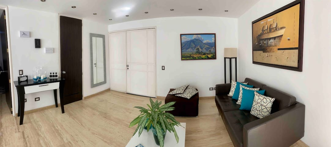 Cómodo apartamento en La Castellana- Caracas