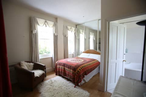 Large sunny room with private en-suite bathroom