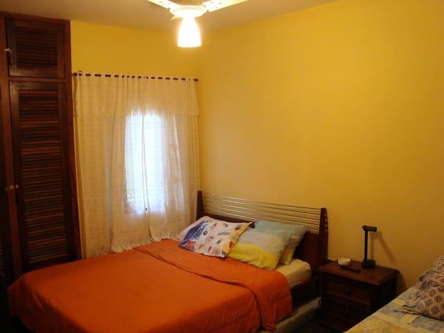 Quarto 3 - Cama de casal + cama de solteiro