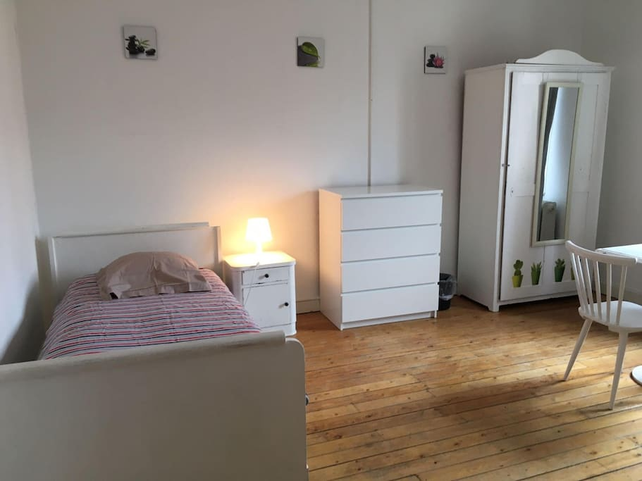 Chambre single n 1 luxembourg city maisons louer for Chambre luxembourg
