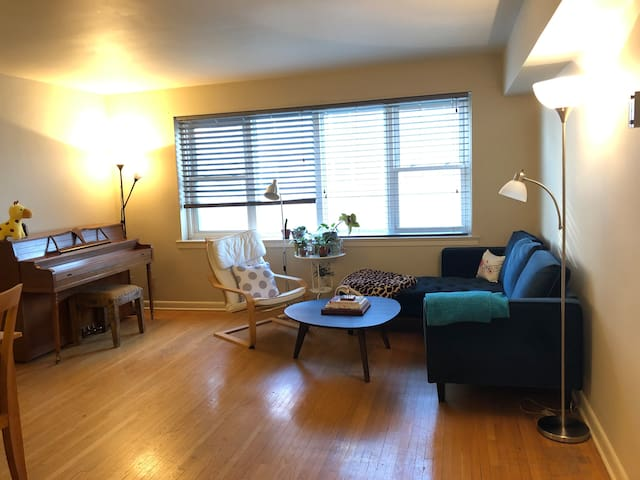 Heart of downtown 1-bedroom apartment