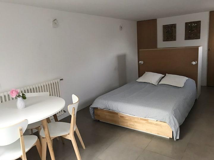 Studio moderne, indépendant, dans maison à Anglet