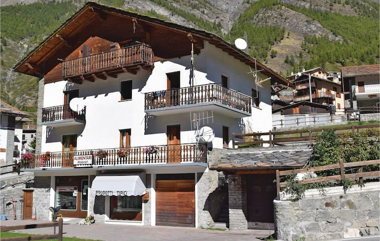 Holiday apartment with 3 bedrooms on 140 m² in Cogne (AO)