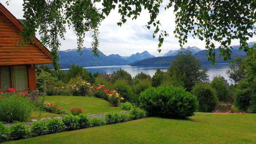 Hermosa cabaña con vista al lago