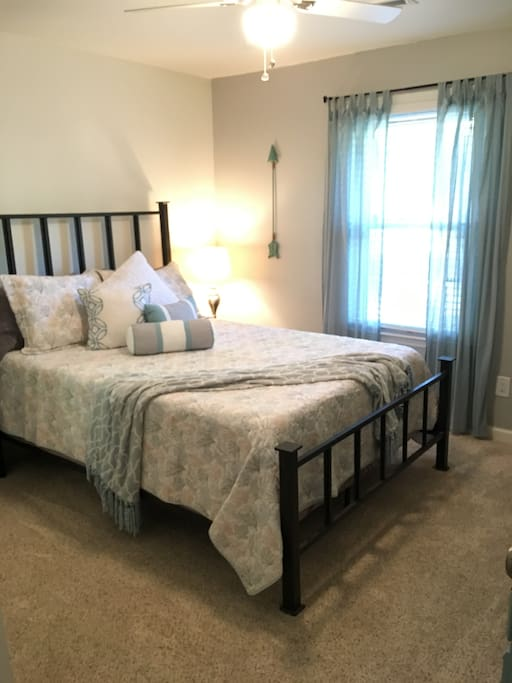 Your private room with a queen size, tempur-pedic bed