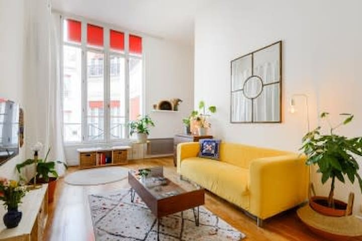 CHARMING APARTMENT IN THE 2ND ARRONDISSEMENT IN PARIS