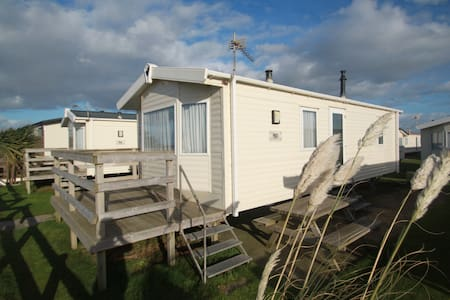 Platinum Seaview Caravan on Beachside Holiday Park - Somerset