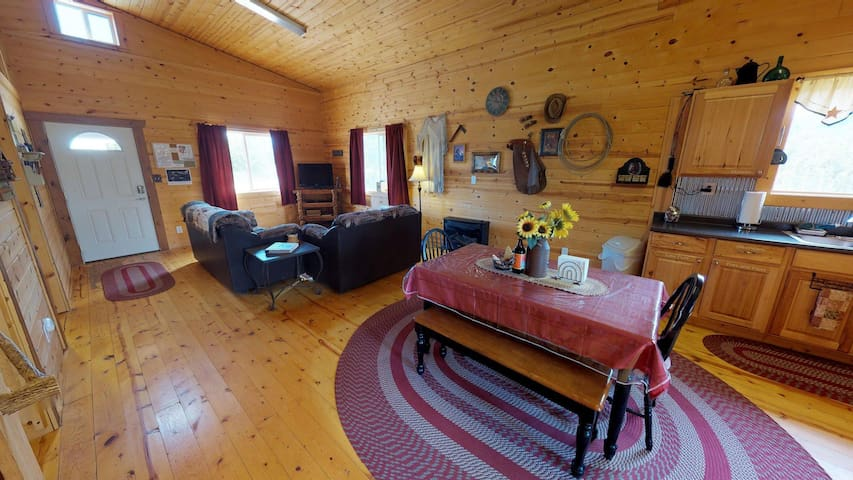Adorable Western Cabin with BBQ, Kitchen, Campfire, Stunning Views