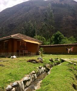 Lovely Casita in the Sacred Valley + QUAD BIKE - Ollantaytambo - Sommerhus/hytte