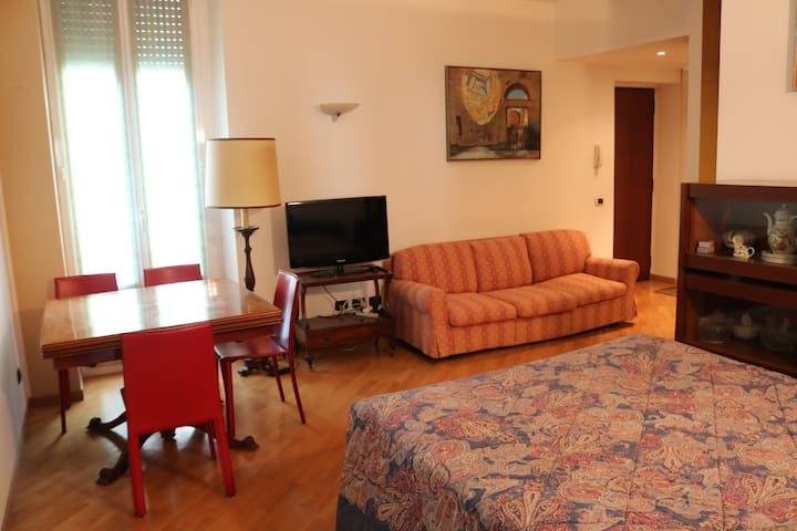 Milan Central Train Station Apartment