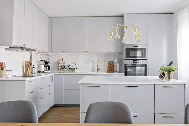 Nyrenoverad lägenhet på centralt läge i Ystad.