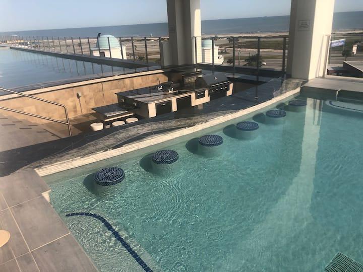 Luxurious, Ocean-Front Condo in Galveston, TX.