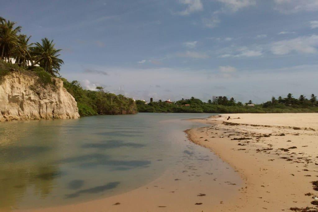 Lagune à proximité pour se baigner