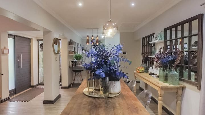 Modern & stylish home in the heart of the Paarl