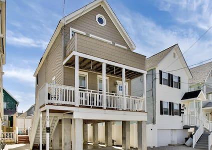 Beautiful Updated House One Block To The Beach - Sea Bright - Haus