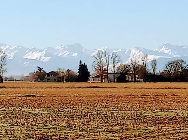 En campagne, situé au nord des Hautes-Pyrénées.