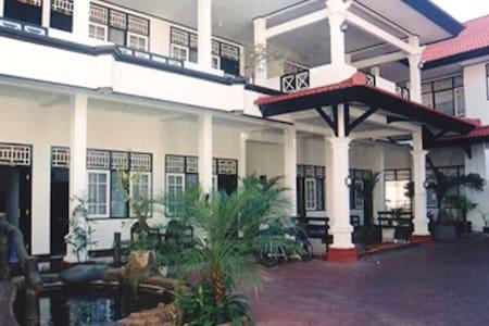 Ailangga Hotel (City Hotel) - Kecamatan Mataram