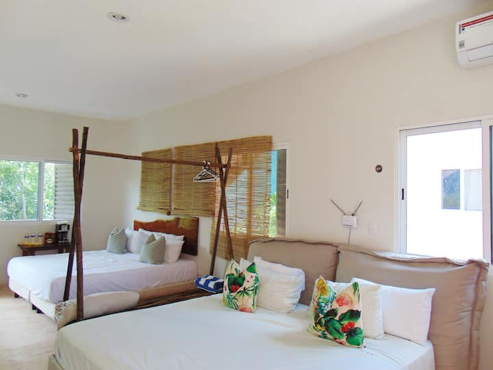 Room Via Blanca- Spacious and Pretty- Macorina
